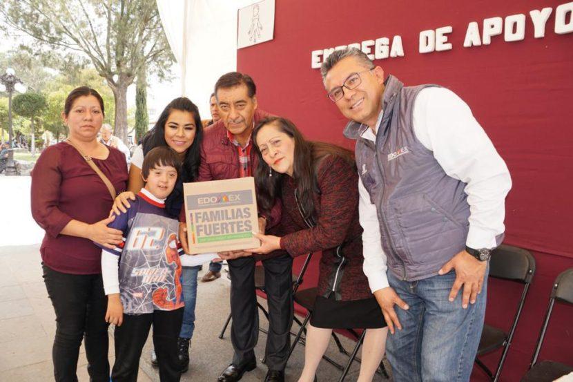 ENTREGAN APOYOS ALIMENTARIOS EN ALMOLOYA DE JUÁREZ