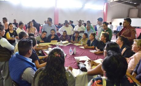ESCUCHAN DIPUTADOS LOCALES MEXIQUENSES DIRECTAMENTE A LOS CIUDADANOS