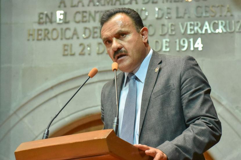 PIDE EL DIPUTADO BENIGNO MARTÍNEZ DIGNIFICAR EL TRABAJO  DE LOS MAESTROS MEXIQUENSES
