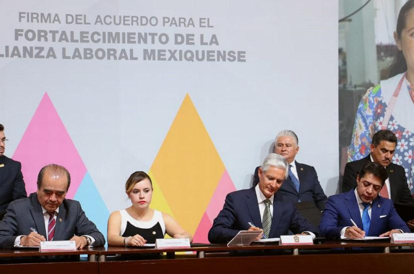 FIRMA MAURILIO HERNÁNDEZ EL ACUERDO PARA EL FORTALECIMIENTO DE LA ALIANZA LABORAL MEXIQUENSE