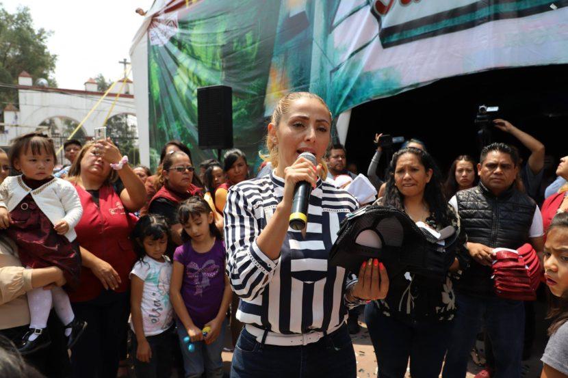 INVITA CHICOLOAPAN A FORMAR UN KILÓMETRO DE LIBROS