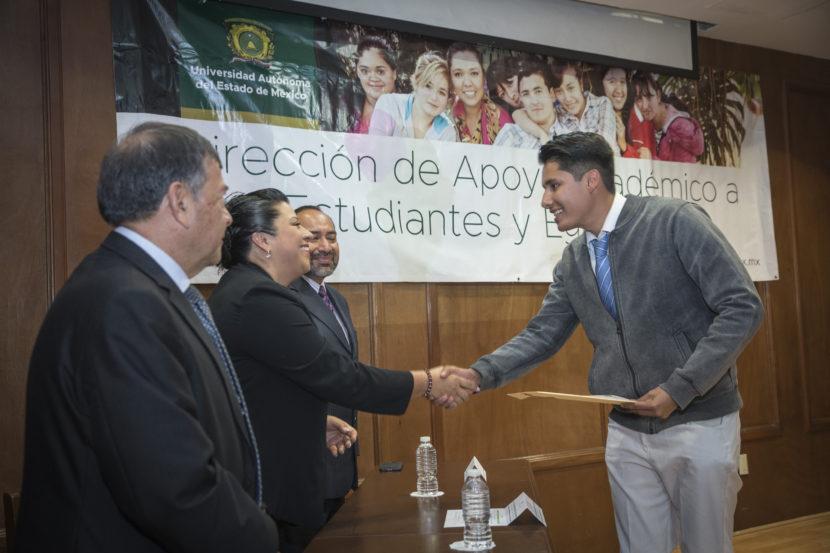 EXITOSO, PROGRAMA DE MENTORES ACADÉMICOS DE LA UAEM