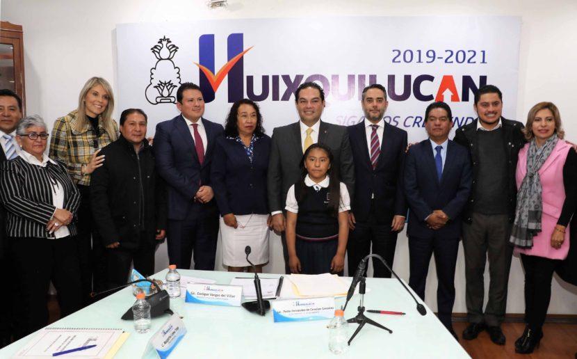 ALCALDE DE HUIXQUILUCAN RECIBE A GANADORA DE OLIMPIADA NACIONAL DEL CONOCIMIENTO