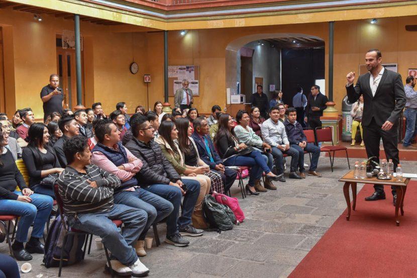 OFRECEN TALLER DE ORATORIA A ESTUDIANTES UNIVERSITARIOS EN SEDE LEGISLATIVA