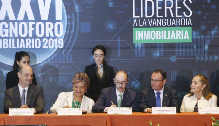 FIRMA UAEM  CONVENIO CON ASOCIACIÓN MEXICANA DE PROFESIONALES INMOBILIARIOS