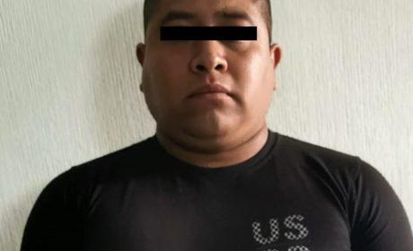 APREHENDEN A POLICÍA MUNICIPAL DE ZUMPANGO INVESTIGADO POR UN ROBO DE VEHÍCULO