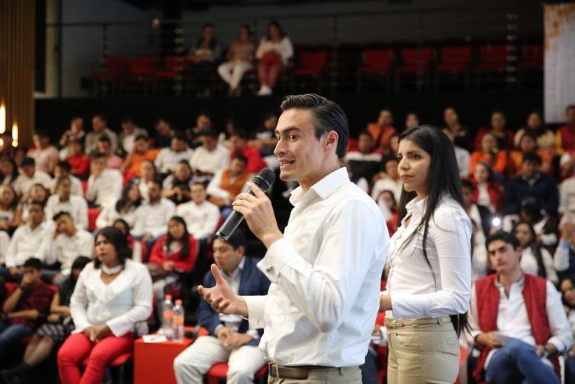 SE REALIZÓ EL PRIMER DEBATE DE ASPIRANTES A LA DIRIGENCIA DE LA RED JÓVENES X MÉXICO