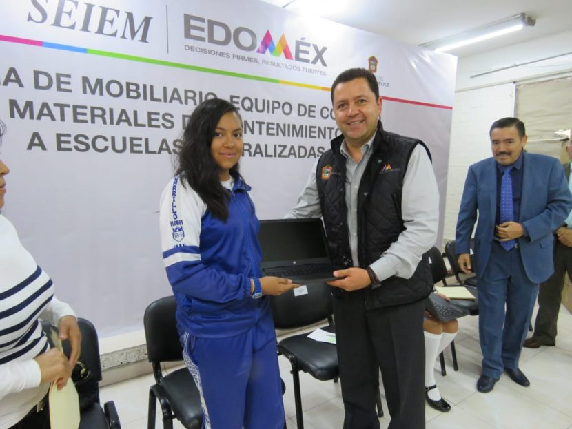 BENEFICIA SEIEM A 350 ESTUDIANTES DE SECUNDARIA