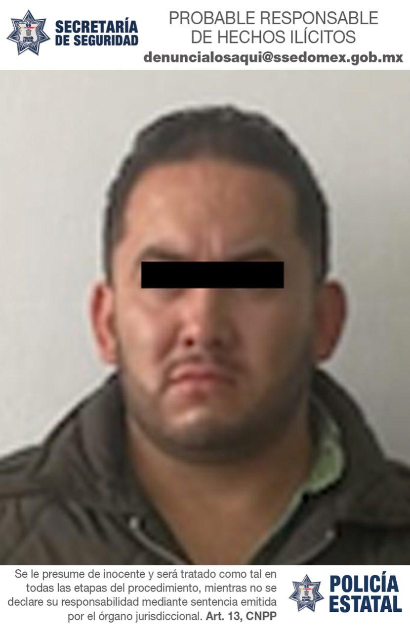 SECRETARÍA DE SEGURIDAD DETIENE A UNA PERSONA EN UN AUTOMÓVIL CON REPORTE DE ROBO