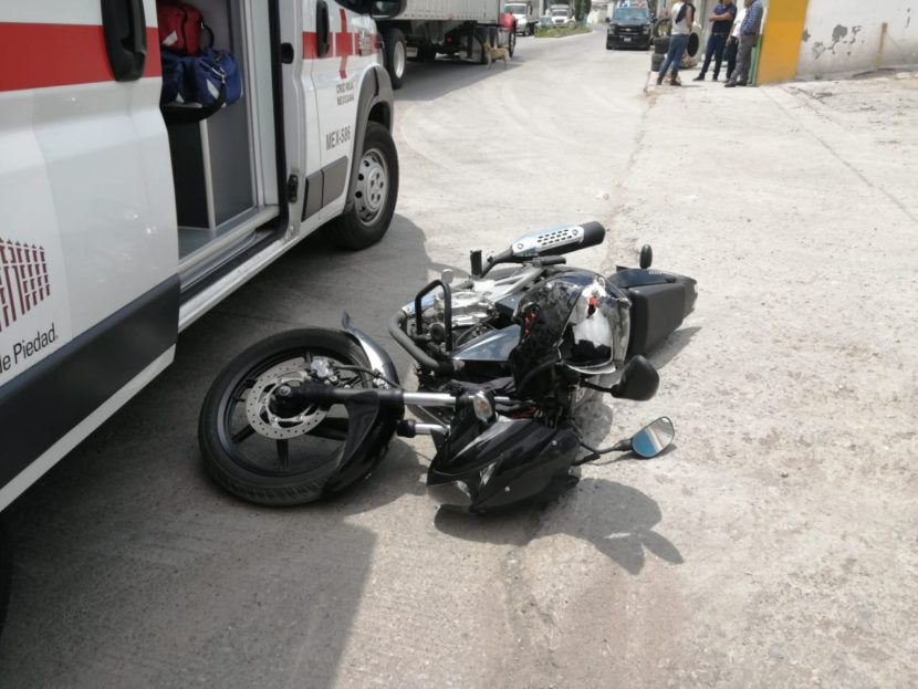 MOTOCICLISTA RESULTA HERIDO TRAS SER IMPACTADO POR TRÁILER