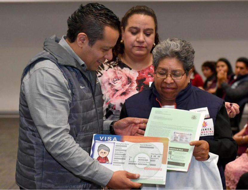 RECIBEN ADULTOS MAYORES MEXIQUENSES VISAS PARA REENCONTRARSE CON FAMILIARES EN ESTADOS UNIDOS