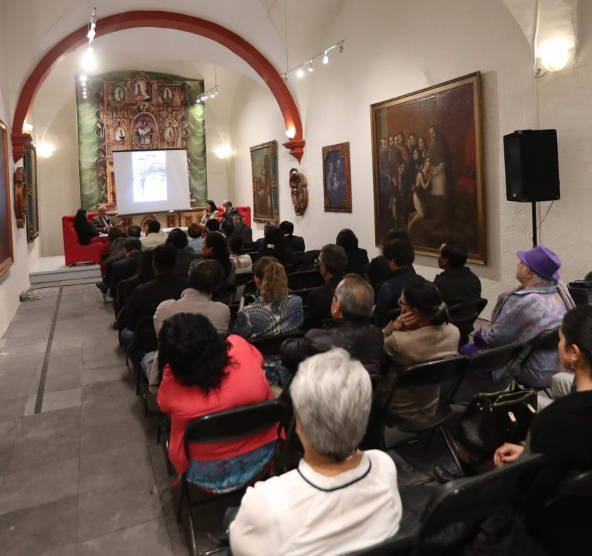 CHARLAN ACERCA DE LEOPOLDO FLORES EN MUSEO DE BELLAS ARTES