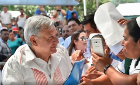 LLAMA LÓPEZ OBRADOR AL EZLN A LA UNIDAD EN PRO DE MÉXICO