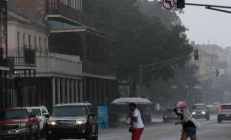 RESIDENTES DE LUISIANA SE PREPARAN PARA EL PASO DEL HURACÁN BARRY