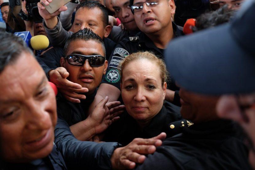 AGREDEN POLICÍAS FEDERALES A COORDINADORA DE LA GUARDIA NACIONAL