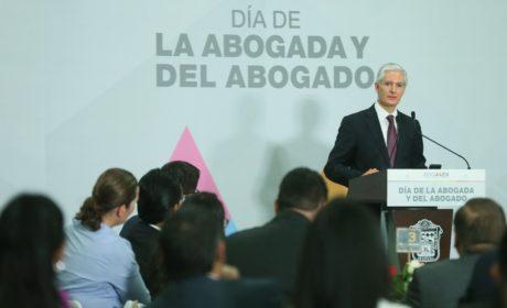 RECONOCE ALFREDO DEL MAZO CONTRIBUCIÓN DE LOS ABOGADOS EN EL DESARROLLO DEL ESTADO DE MÉXICO