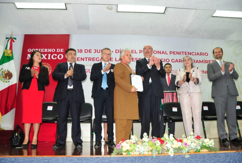 RECONOCEN TRAYECTORIA A HORTENSIA MACÍAS, SERVIDORA PÚBLICA EN CENTROS DE RECLUSIÓN DEL EDOMÉX