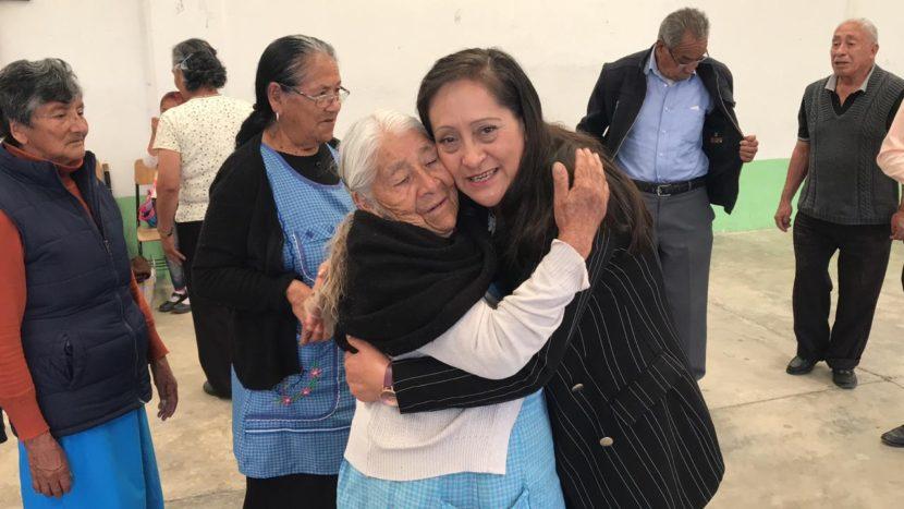 EL DIF DE ALMOLOYA DE JUÁREZ CONVIVE CON ADULTOS MAYORES