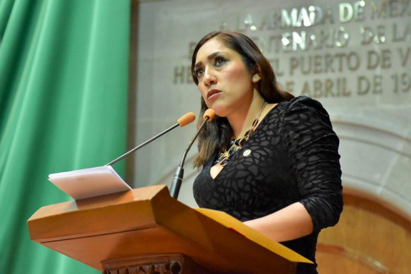 LLAMA LILIANA GOLLAS A INCREMENTAR SALARIOS DE POLICÍAS MUNICIPALES