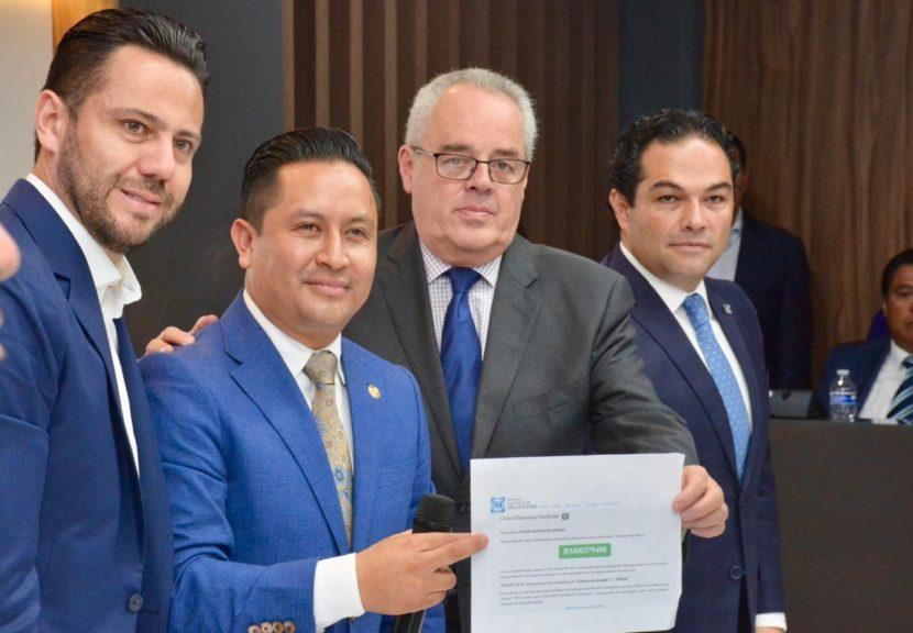 DIPUTADO JAVIER GONZÁLEZ REGRESA AL PAN Y ABANDONA AL PT