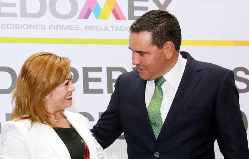 RECIBEN MAESTROS CONSTANCIA DE PERIODO SABÁTICO PROMOCIÓN 2019