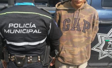 ARRESTAN A INDIVIDUO QUE PORTABA ARMA DE FUEGO EN EL CENTRO DE TOLUCA