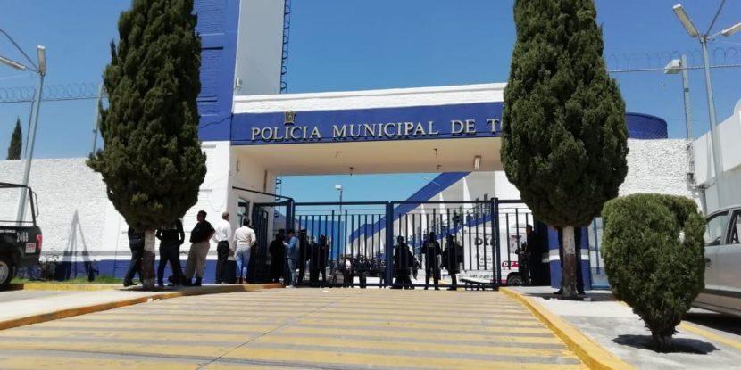 POLICÍAS DE TOLUCA AMENAZAN CON PARO DE LABORES