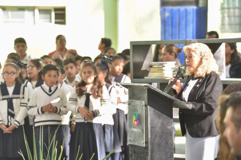 IMPULSA ELIZABETH MILLÁN LA INSTALACIÓN DE BIBLIOTECAS  EN ESCUELAS DE SAN MATEO ATENCO