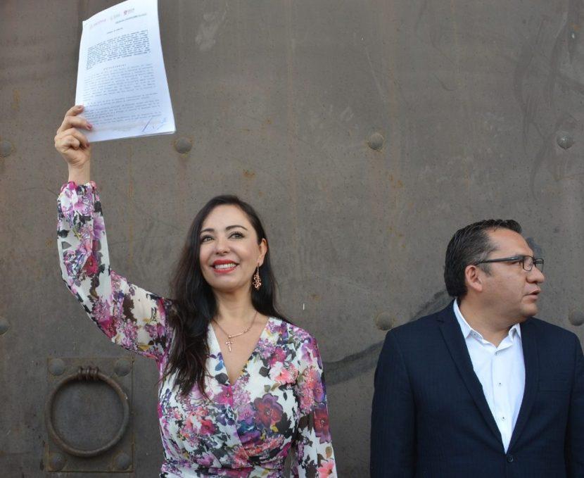 RECIBE PATRICIA DURÁN PREDIO PARA LA UNIVERSIDAD PÚBLICA NAUCALPENSE