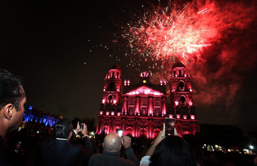 CON LUCES Y MUSICA, CATEDRAL COBRA VIDA Y CUENTA LA HISTORIA DE TOLUCA
