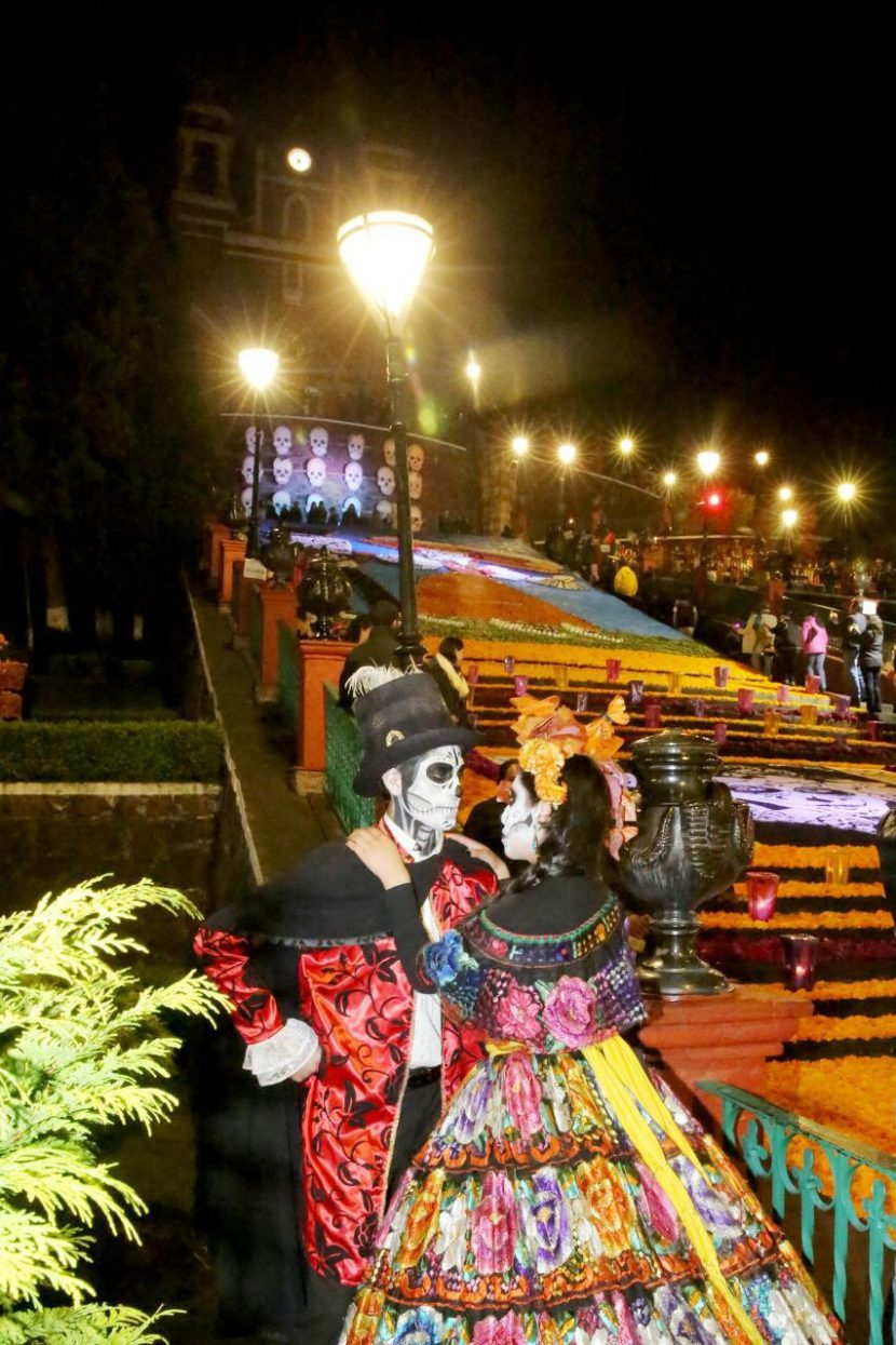 INAUGURA GABY GAMBOA OFRENDA MONUMENTAL EN METEPEC