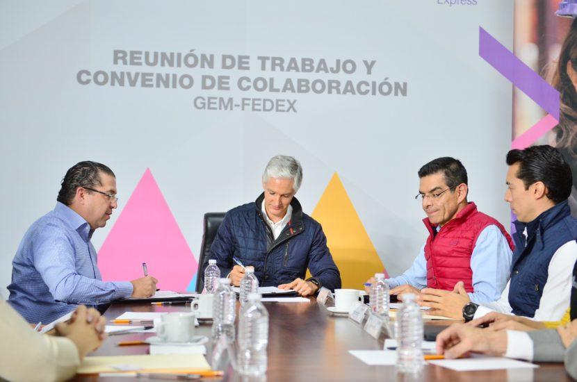 FIRMA ALFREDO DEL MAZO CONVENIO CON FEDEX