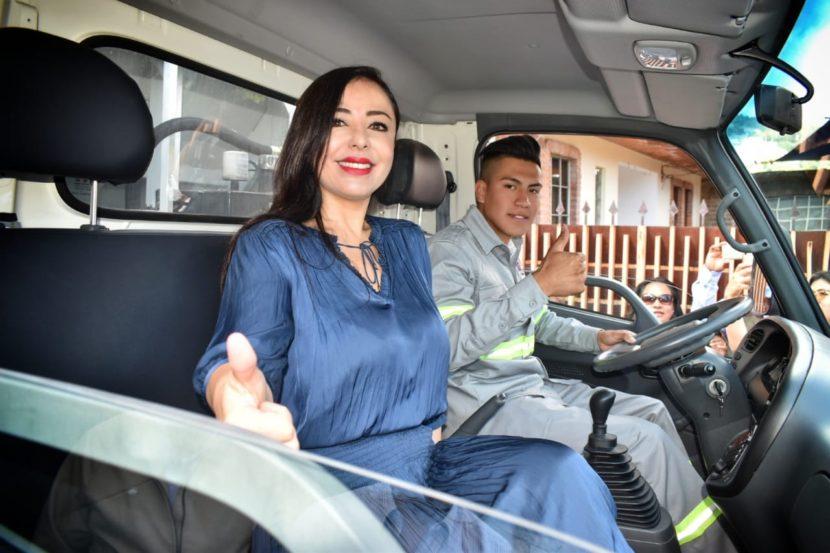 ENTREGAN CAMIÓN RECOLECTOR EN SANTIAGO TEPATLAXCO