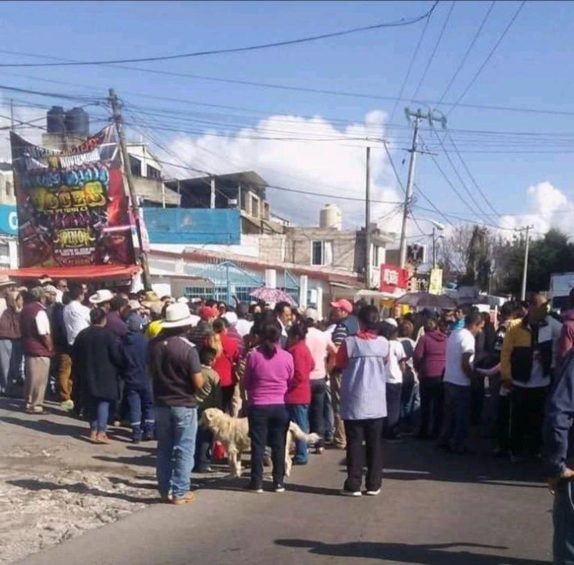 SE CUMPLEN MÁS DE 24 HORAS DE BLOQUEO EN CARRETERA TENANGO-TENANCINGO