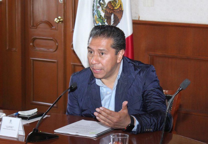 JUAN RODOLFO SÁNCHEZ  REFRENDA COMPROMISO CON TOLUCA