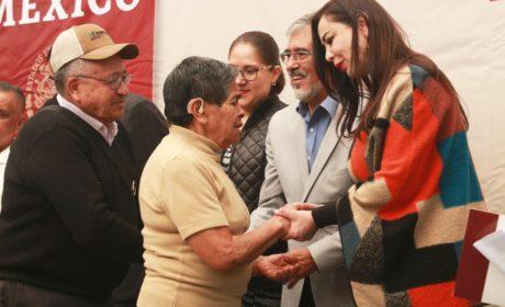 ENTREGAN ESCRITURAS A VECINOS DE SAN ANTONIO ZOMEYUCAN