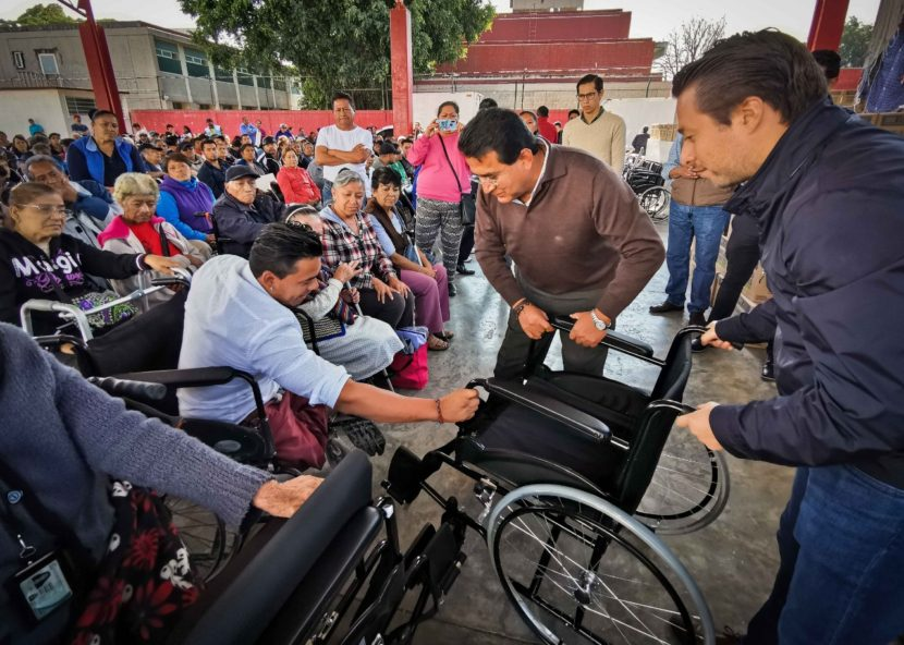 ENTREGA GEM APOYOS SOCIALES A CASI 300 PERSONAS DE ECATEPEC