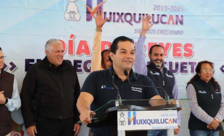 LOS REYES MAGOS LLEGARON A LAS ESCUELAS DE HUIXQUILUCAN
