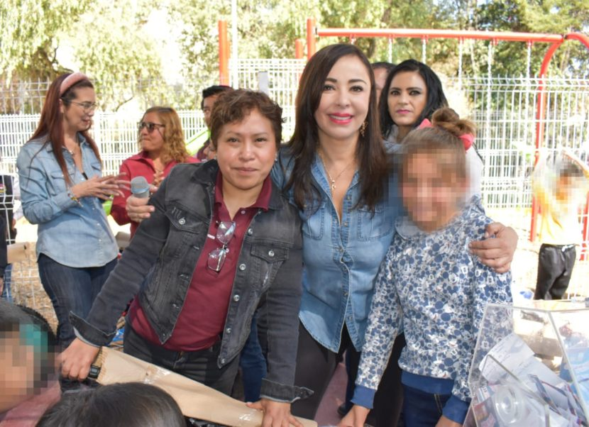 INAUGURA PATRICIA DURÁN PARQUES EN CHAMAPA Y SAN LORENZO TOTOLINGA