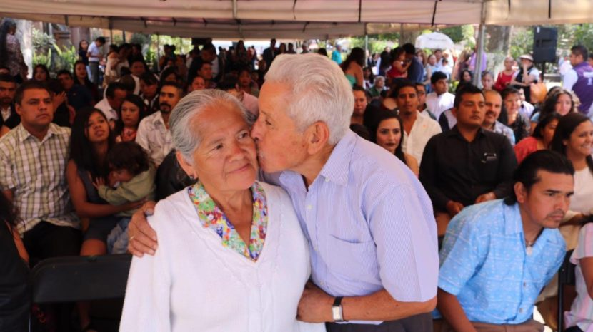 CONTRAEN MATRIMONIO 42 PAREJAS DE VALLE DE BRAVO