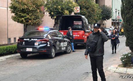 AMENAZA DE BOMBA EN TOLUCA MOVILIZA A CUERPOS DE EMERGENCIA