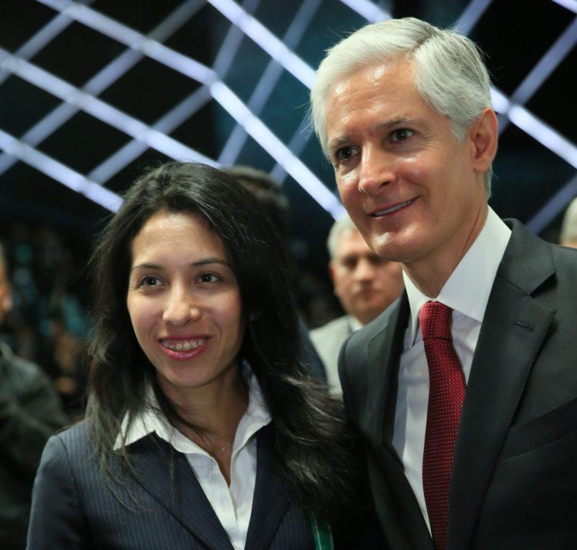 LUCÍA ALBARRÁN INVITA A LOS RESIDENTES EN EL EXTRANJERO A COMPETIR POR LA PRESEA ESTADO DE MÉXICO