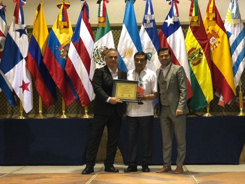 RECIBE LUIS MAYA DORO RECONOCIMIENTO POR CERTIFICACIÓN DE EXCELENCIA EN GOBIERNO