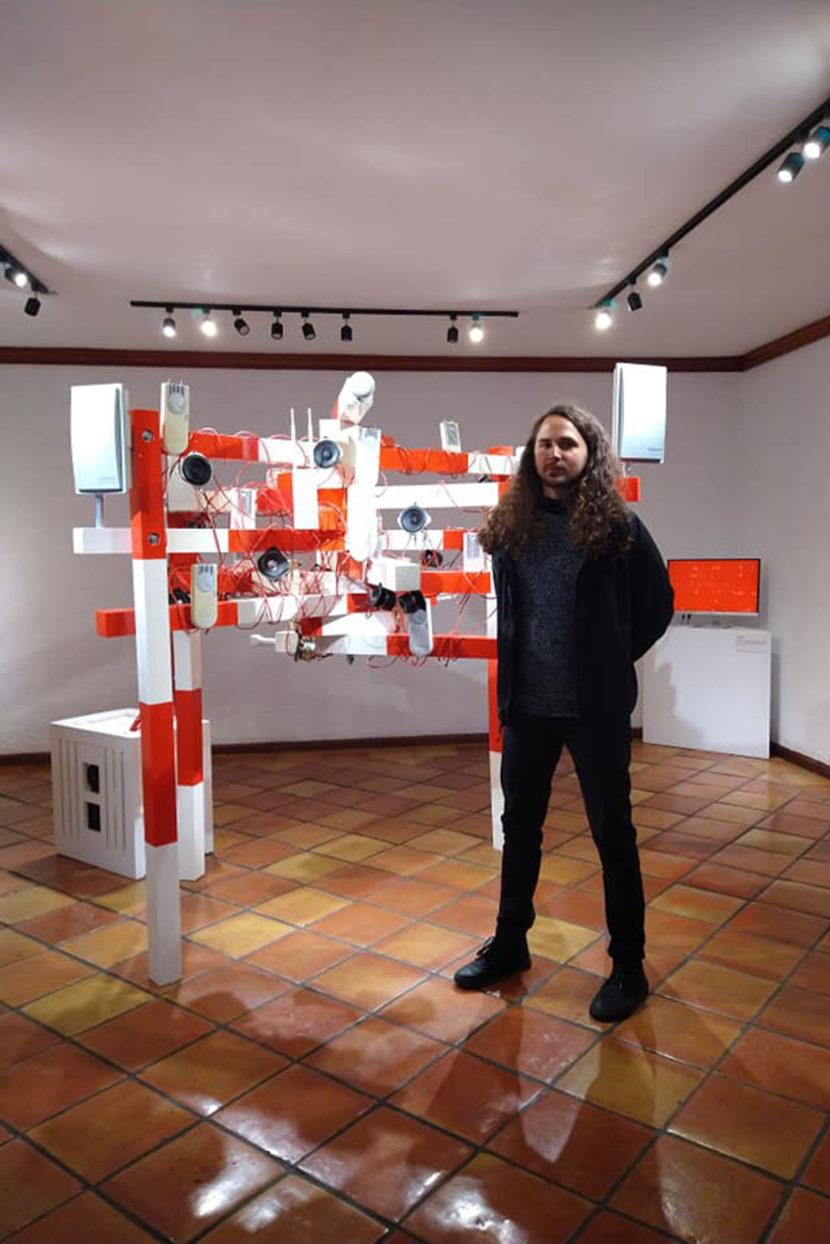 Adrián Aroko expone Membrana modular en la UAEMÉX