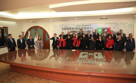 ALEJANDRA DEL MORAL TOMÓ PROTESTA A  LOS COORDINADORES REGIONALES DEL PRI EDOMÉX