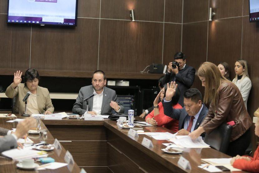 DIPUTADOS DE MORENA Y FUNCIONARIOS DE SEDAGRO SE REUNEN CON CAMPESINOS
