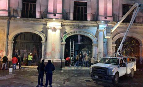 SERVICIOS PÚBLICOS DE TOLUCA LIMPIA FACHADA DE LA CÁMARA DE DIPUTADOS