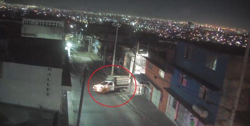 ELEMENTOS DE SEGURIDAD  RECUPERAN VEHÍCULO ROBADO EN NAUCALPAN
