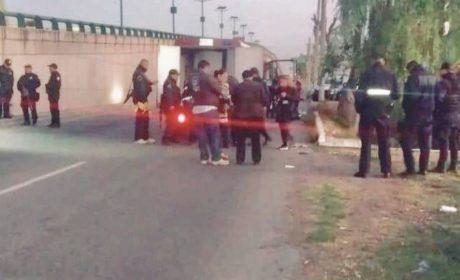 ABANDONAN CADÁVER DECAPITADO JUNTO NARCO MENSAJE EN TENANGO