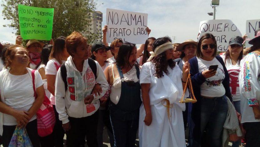 MUJERES PROTESTAN CONTRA VIOLENCIA FRENTE A FGJEM: SE HA CONVERTIDO EL EDOMEX EN CEMENTERIO DE MUJERES Y NIÑAS